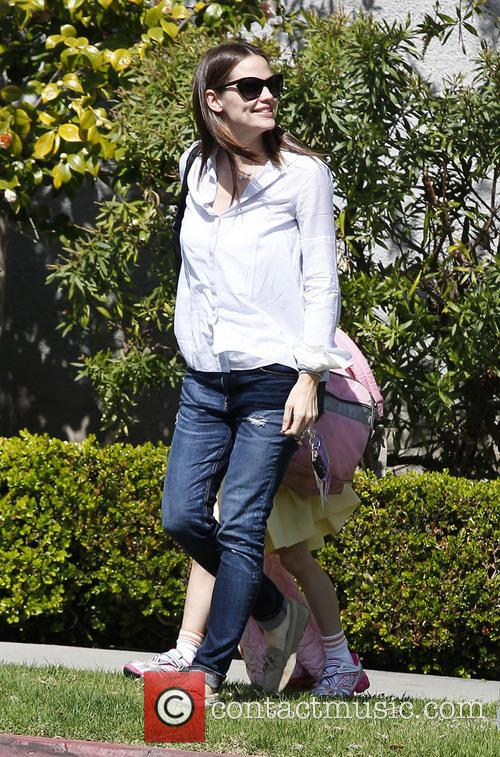 Jennifer Garner and Violet Affleck 1
