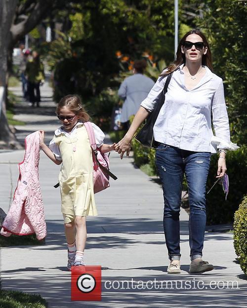 Jennifer Garner and Violet Affleck 16