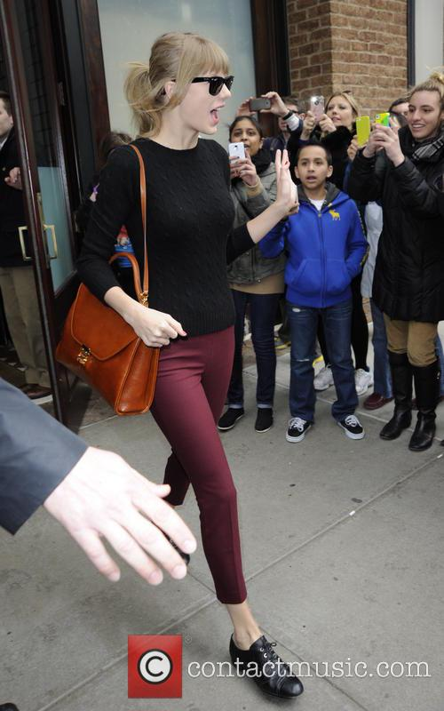 taylor swift taylor swift exits her manhattan 3578351