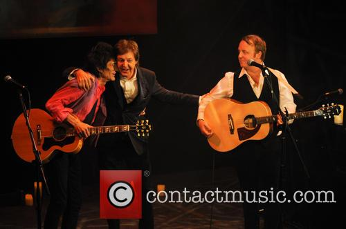 Ronnie Wood, James Mccartney and Paul Mccartney 4