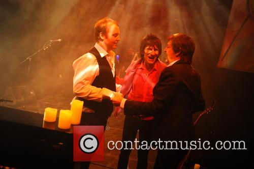 Ronnie Wood, James Mccartney and Paul Mccartney 10