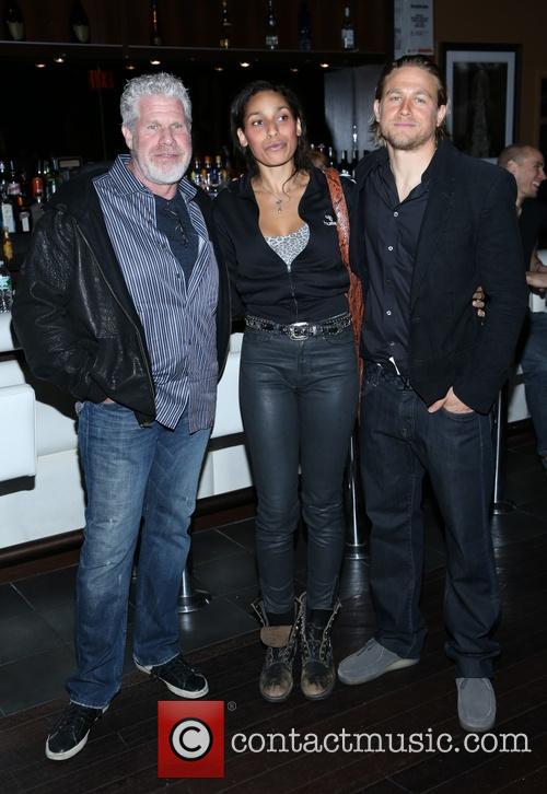 Ron Perlman and Charlie Hunnam 9