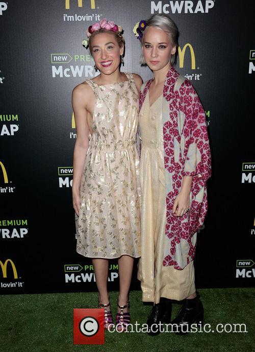 Mia Moretti and Caitlin Moe 4