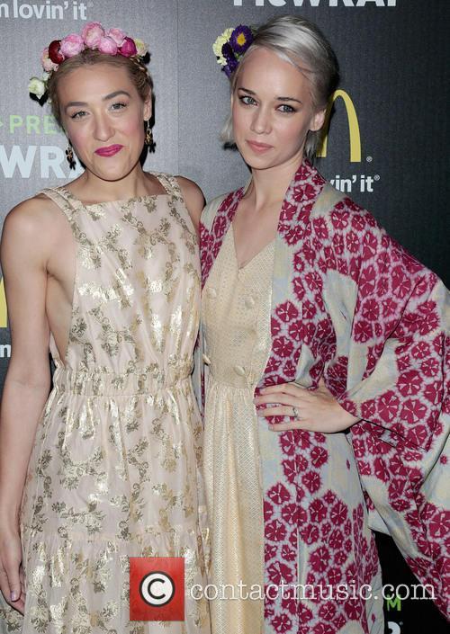 Mia Moretti and Caitlin Moe 5