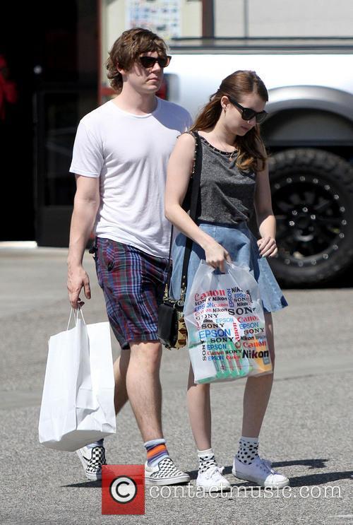 Emma Roberts and Evan Peters 4