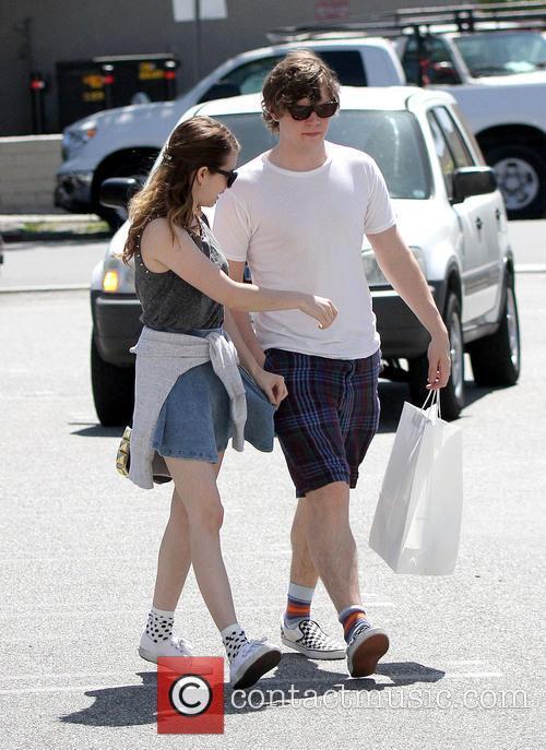 Emma Roberts and Evan Peters 5