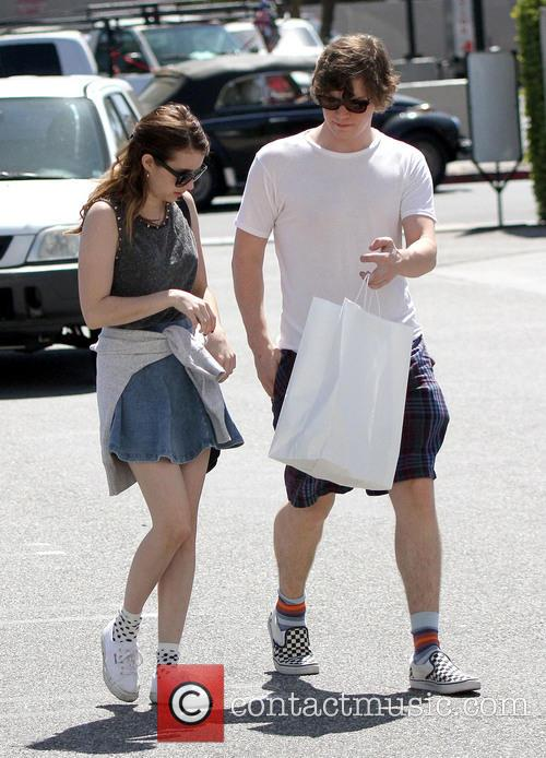 Emma Roberts and Evan Peters 10