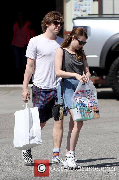 Emma Roberts and Evan Peters 15