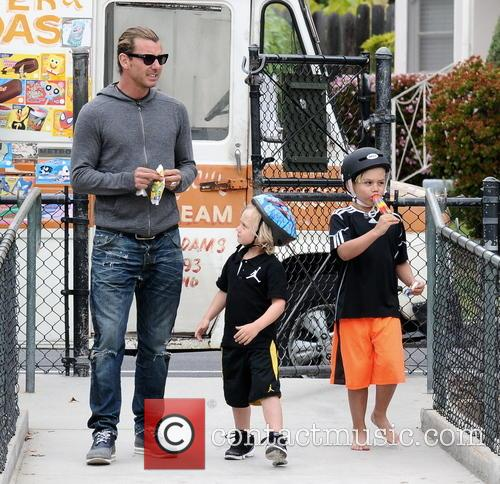 Gavin Rossdale, Kingston Rossdale and Zuma Rossdale 3