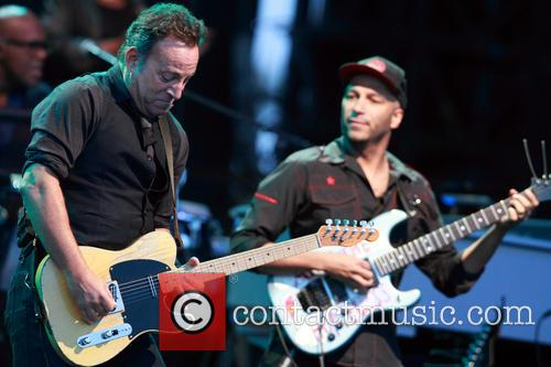 Bruce Springsteen and Tom Morello 5