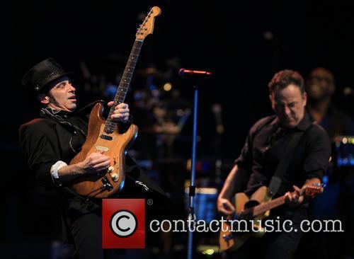 Nils Lofgren and Bruce Springsteen 4