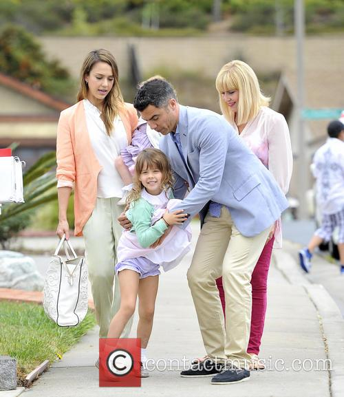 Jessica Alba, Haven Warren, Honor Warren and Cash Warren 6