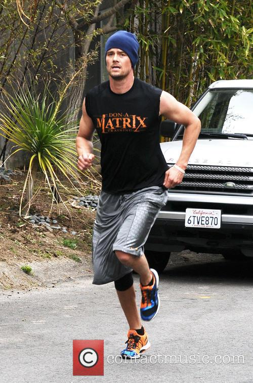 Josh Duhamel working out