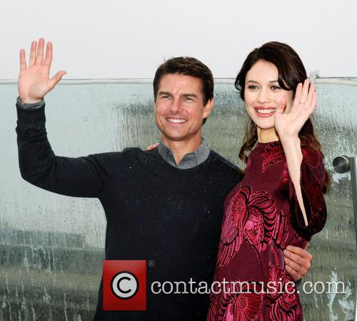 Tom Cruise and Olga Kurylenko 3