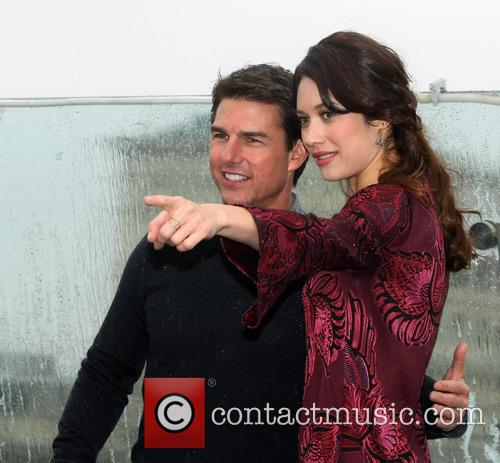 Tom Cruise and Olga Kurylenko 5