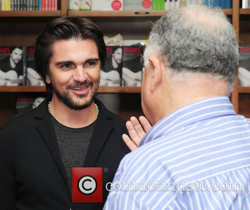 Juanes, Juan Esteban Aristizabal Vasquez and Fan 10