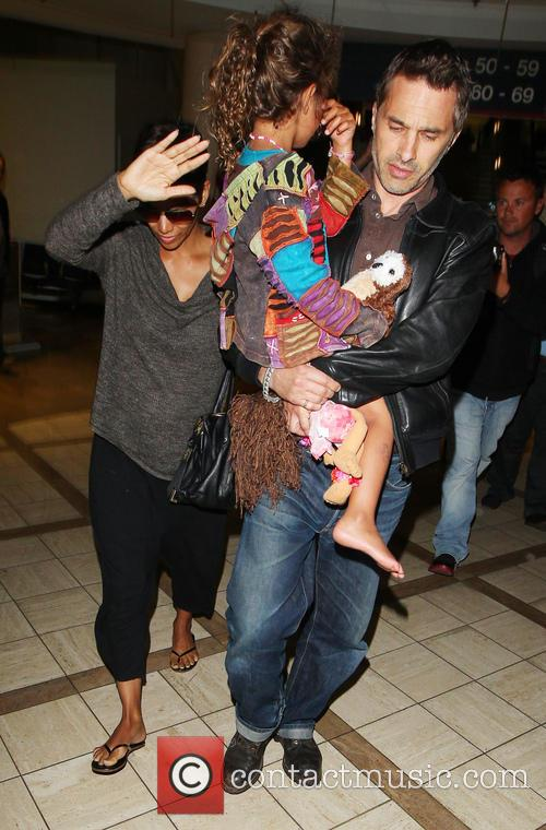 Halle Berry, Olivier Martinez and Nahla Aubry 2
