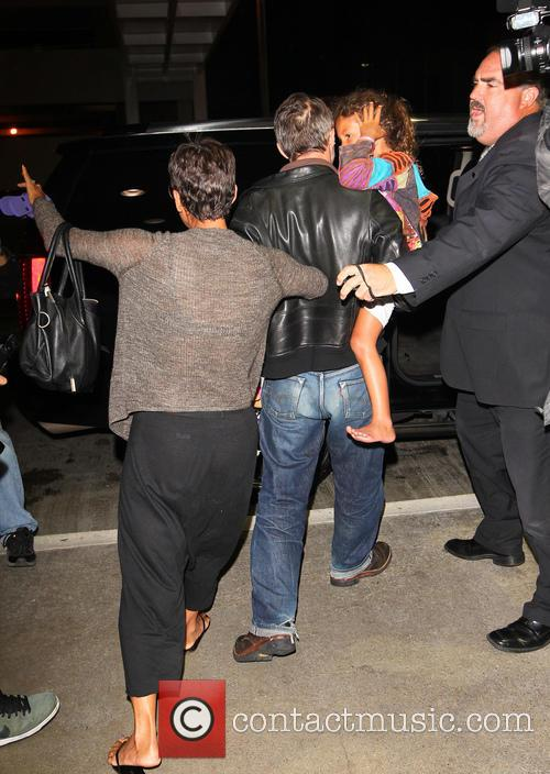 Halle Berry, Olivier Martinez and Nahla Aubry 5