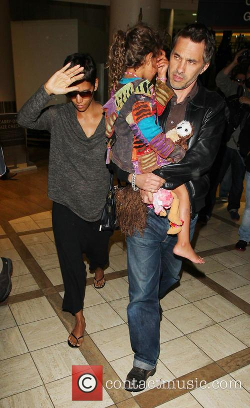 Halle Berry, Olivier Martinez and Nahla Aubry 1