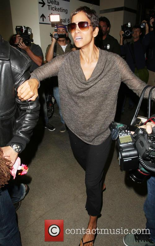 Halle Berry, LAX