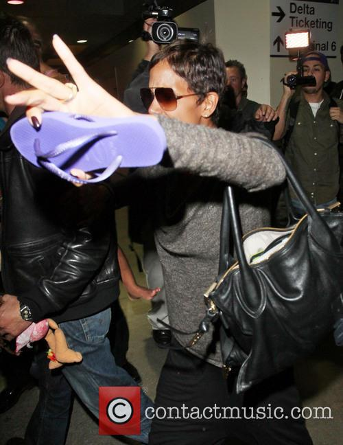 halle berry halle berry arrives at lax 3583803