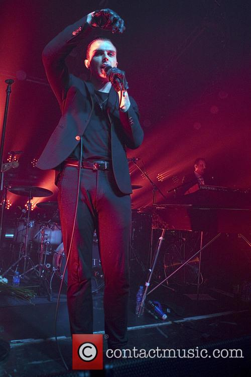 Theo Hutchcraft and Hurts 5