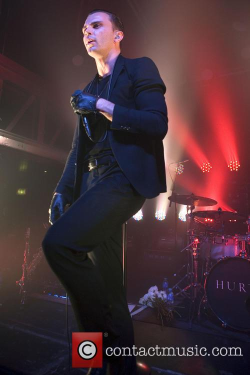 Theo Hutchcraft and Hurts 9