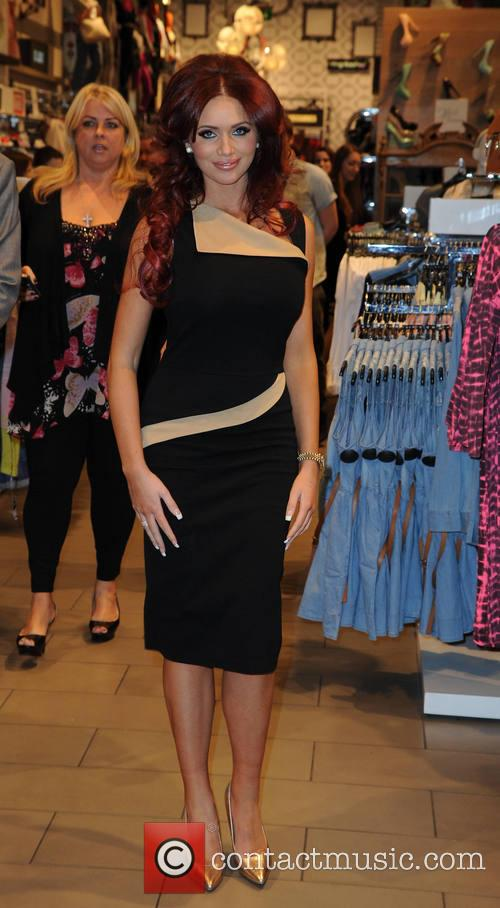 Amy Childs 48