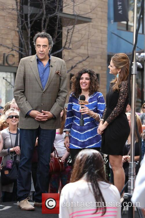 Brad Garrett, Guest and Maria Menounos 7