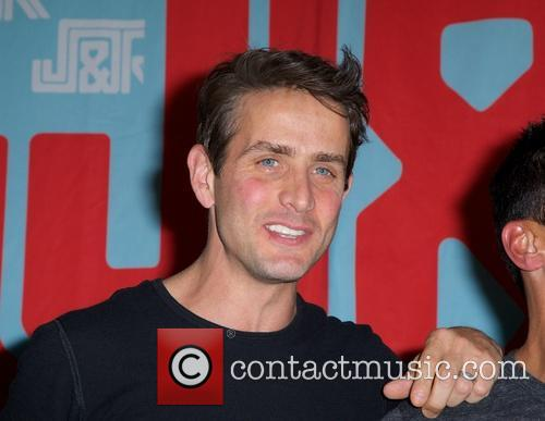 Joey Mcintyre, New Kids On The Block and Nkotb 9