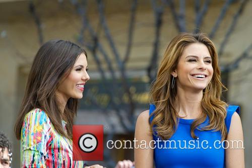 Victoria Justice and Maria Menounos 3