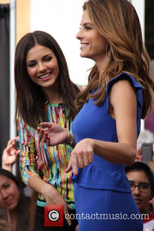 Victoria Justice and Maria Menounos 7