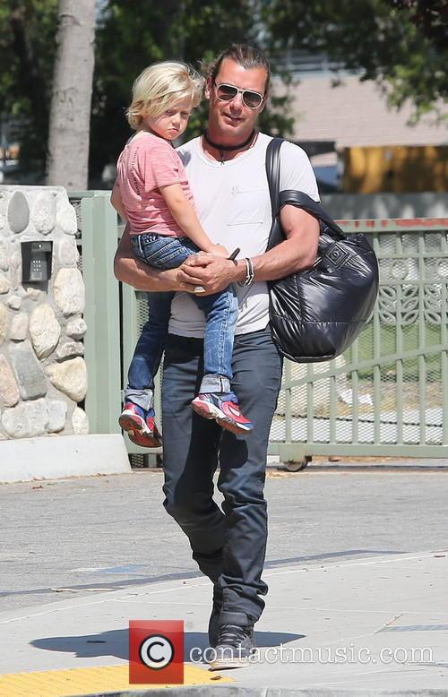 Gavin Rossdale and Zuma Rossdale 17
