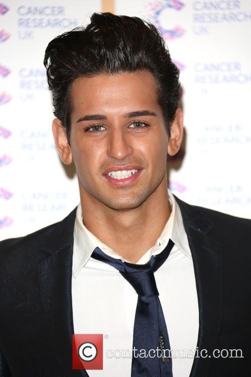 ollie locke james ingham hosts james jog on 3586088