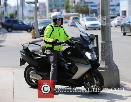 drew-carey-drew-carey-on-motorbike_3592674.jpg
