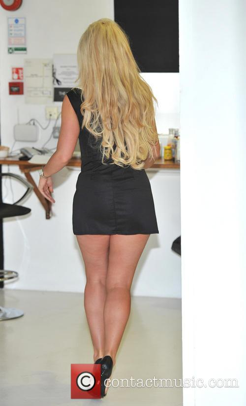 Frankie Essex launches 'Glamour To Go' hair range...