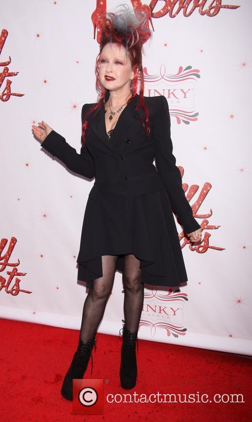 Cyndi lauper 39 kinky boots 39 premiere 10 pictures for Cyndi lauper broadway kinky boots