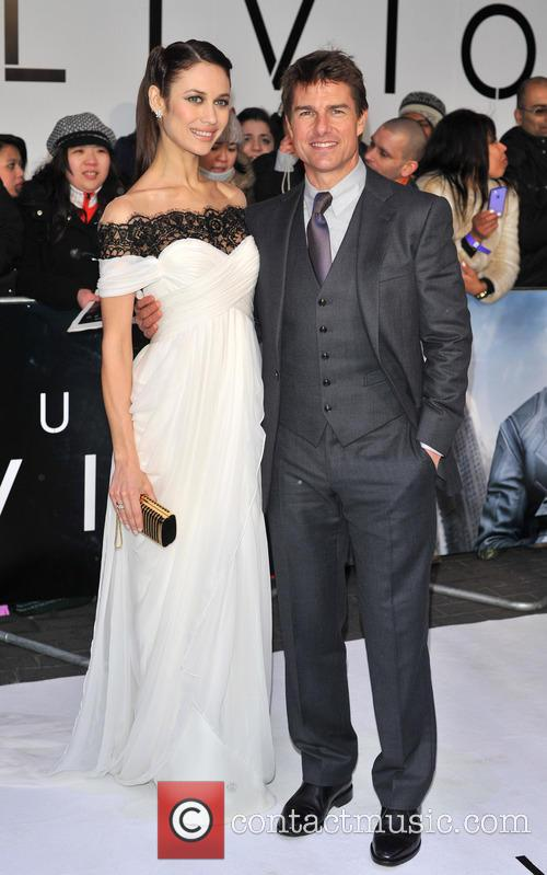 Tom Cruise and Olga Kurylenko 8