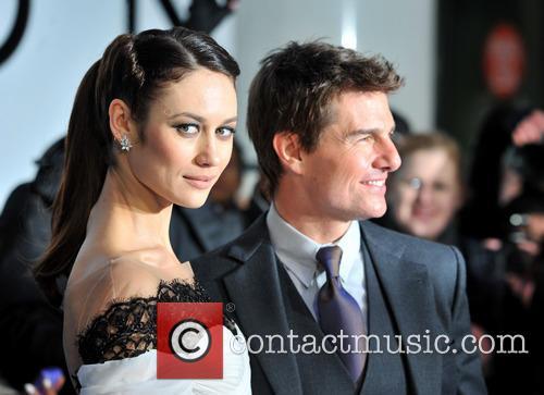 Tom Cruise and Olga Kurylenko 4