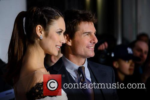 Olga Kurylenko and Tom Cruise 1