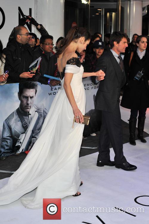 Tom Cruise and Olga Kurylenko 16