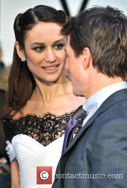 Tom Cruise and Olga Kurylenko 18