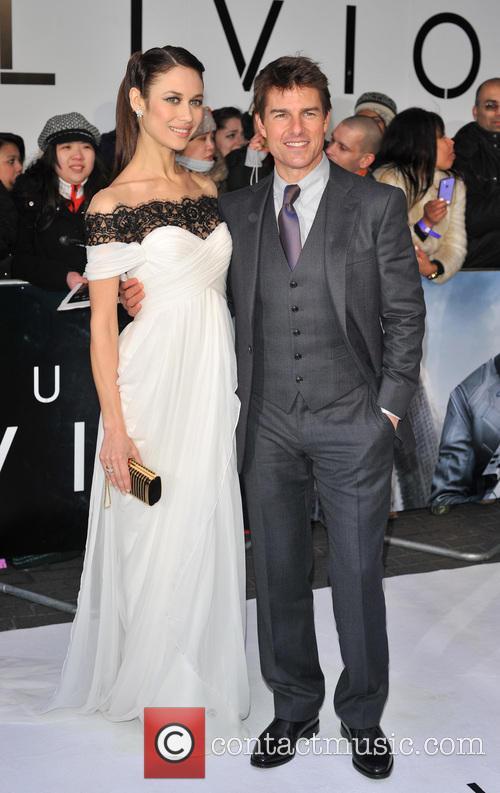 Tom Cruise and Olga Kurylenko 20