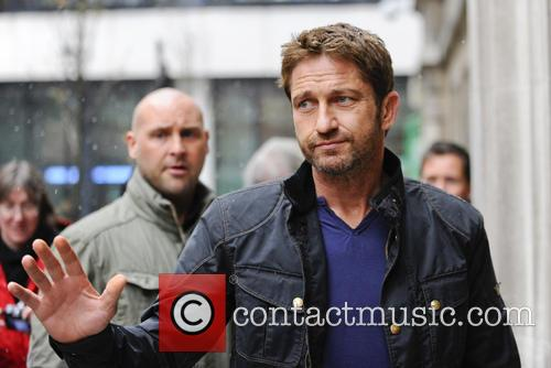 gerard butler celebs at radio 2 3587327