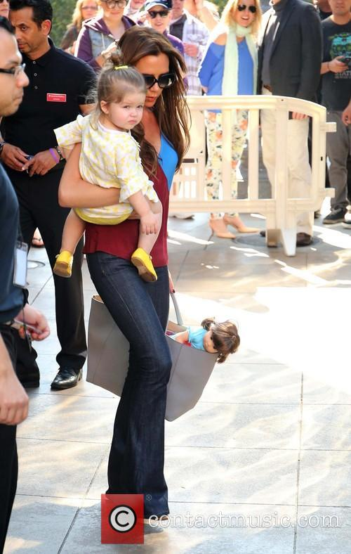 Harper Beckham and Victoria Beckham 5