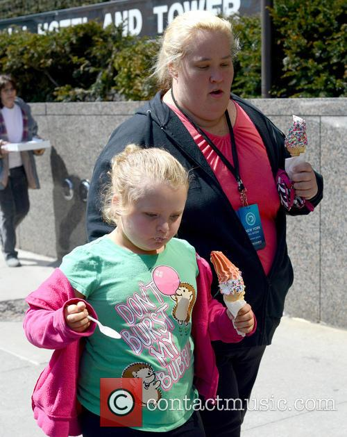 Honey Boo Boo and June Shannon 4