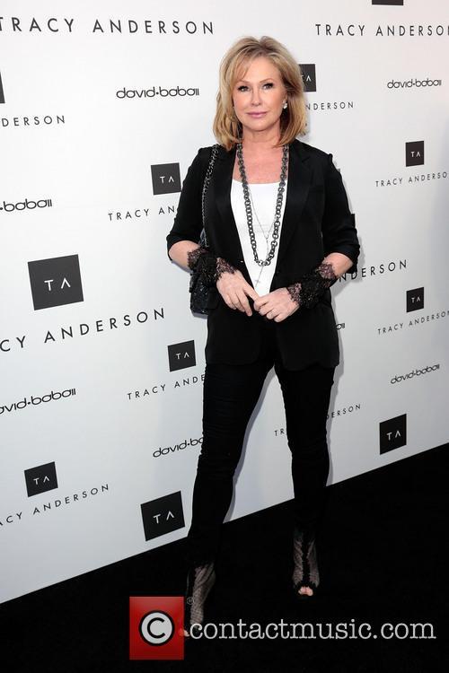 Kathy Hilton 8