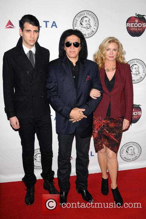 Nick Simmons, Gene Simmons and Shannon Tweed 3
