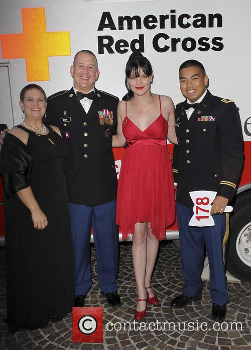 Pauley Perrette and Us Marines 4