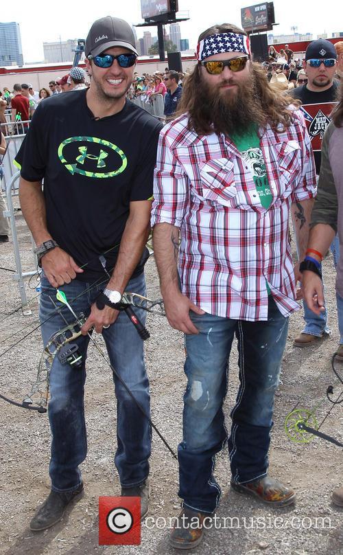Luke Bryan and Willie Robertson 6
